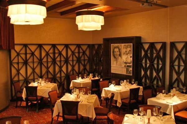 The Best Usda Prime Steak Is At Ruth S Chris House In Pasadena California With Our Special 500 Sizzle And Award Winning Wine List