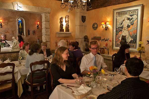 Jeanne D Arc Cornell Hotel De France San Francisco Urban Dining Guide