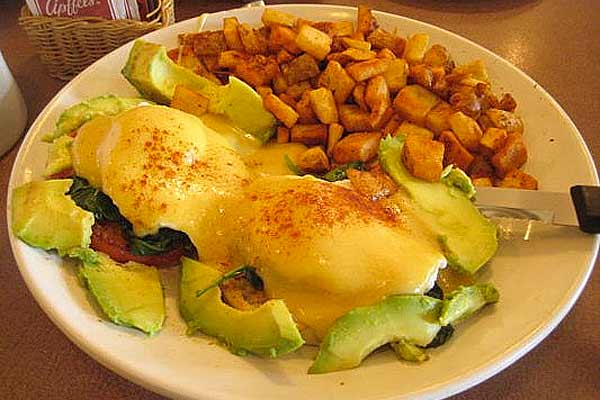 The Cracked Egg – Las Vegas | Urban Dining Guide