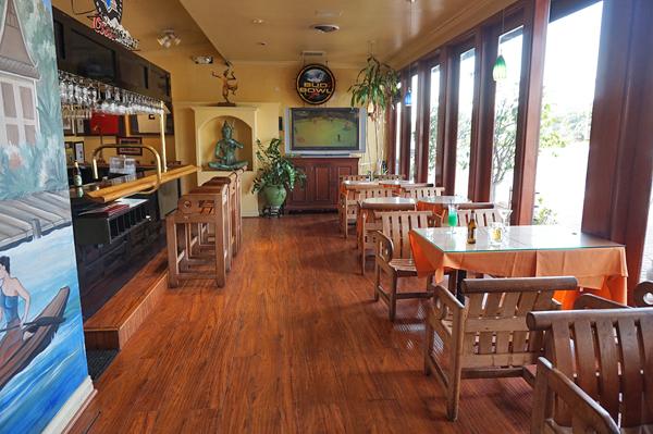 nobby beach restaurants dining guide