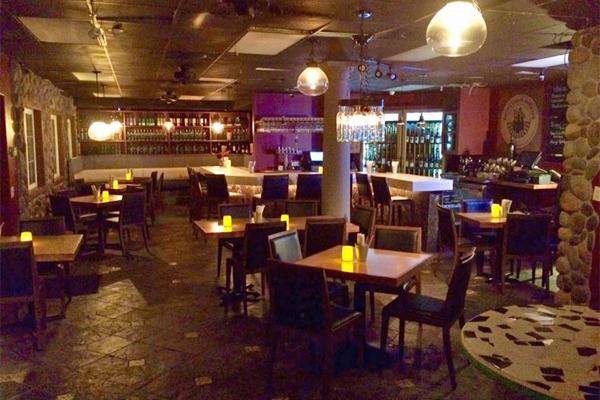 Huntington Beach Restaurants With Live Music