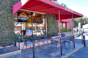 Big Mama's & Papa's Pizzeria - Studio City