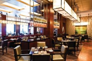 EDGE Restaurant & Bar - Denver