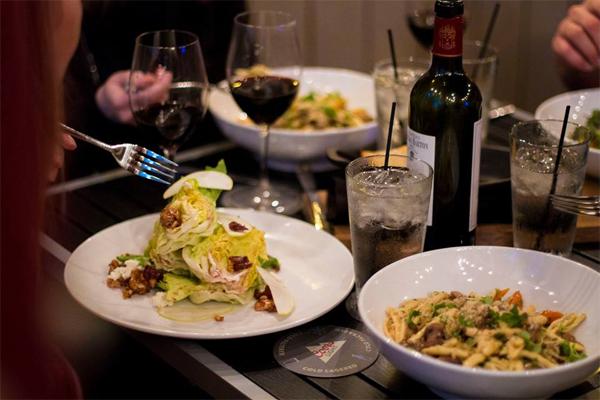 Imola - Huntington Beach | Urban Dining Guide