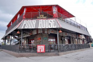 Pour House Burgers Bourbon & Brews - Nashville