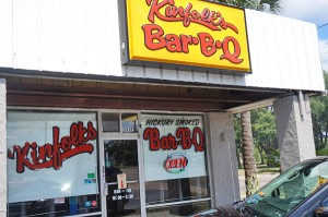 Kinfolks Bar-B-Q - Fort Walton Beach