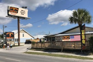 Outlaw Bar-B-Q - Panama City Beach